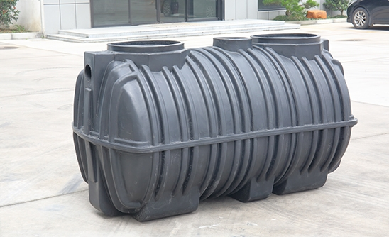 What are the advantages of rotomolding integrated septic tank