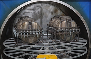 What are the precautions for the daily maintenance of rotomolding equipment?